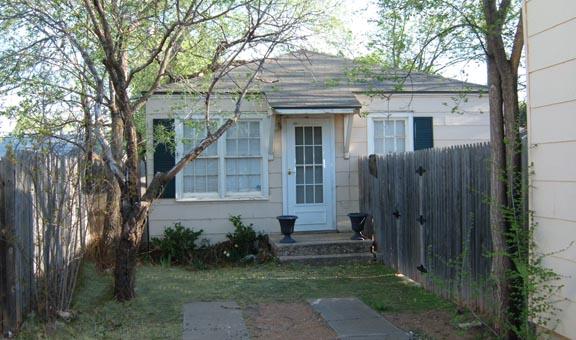 Rental Homes 2422 29th St (Rear)